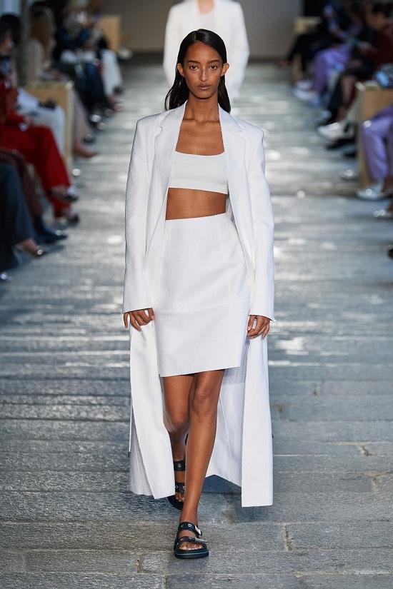 اتجاهات أزياء ربيع وصيف 2021 (11)