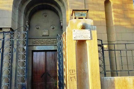 مقبرة أم كلثوم (25)