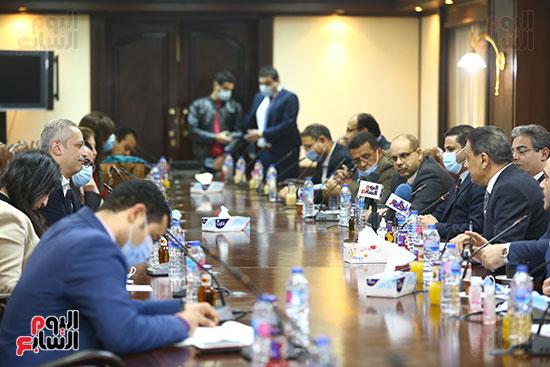 اجتماع المجلس الأعلى لتنظيم الإعلام بالقيادات الإعلامية (1)