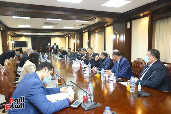 اجتماع المجلس الأعلى لتنظيم الإعلام بالقيادات الإعلامية (9)