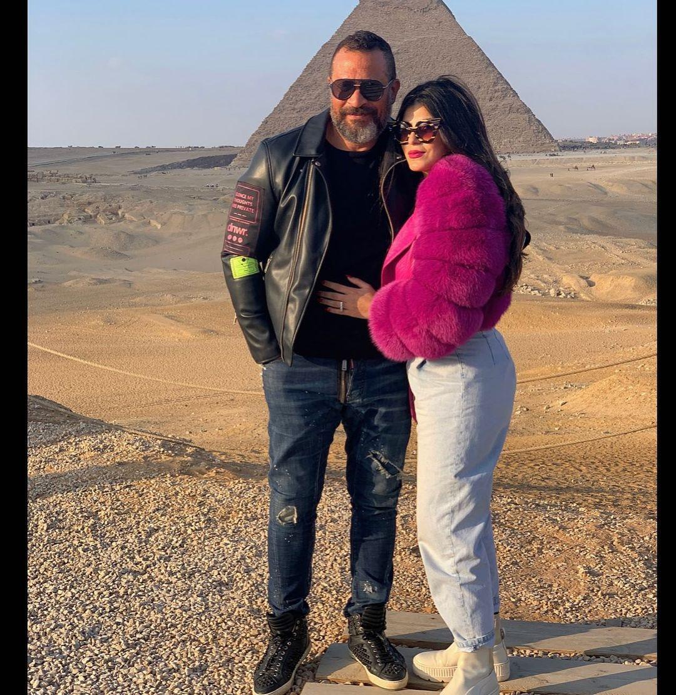 ماجد المصرى وزوجته رانيا أبو النصر فى الأهرامات (4)