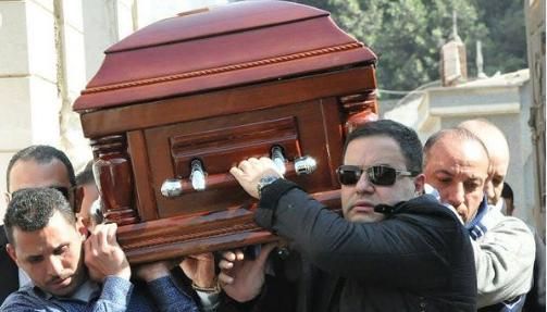 ادوارد ومراسم تشييع جنازة والدته