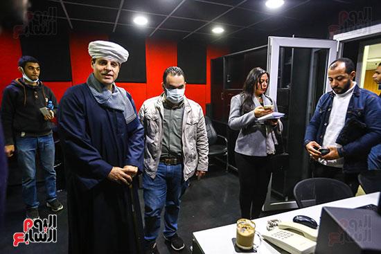 نقيب المنشدين خلال جولته بمؤسسة اليوم السابع