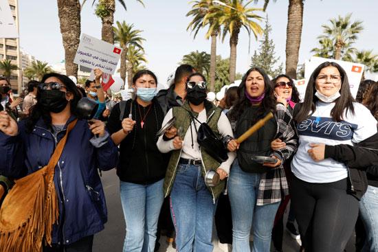 2021-02-06T142622Z_1008348978_RC22NL9VAKUG_RTRMADP_3_TUNISIA-PROTESTS