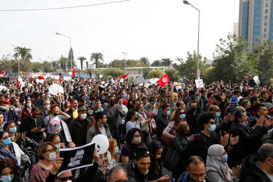 2021-02-06T143031Z_1416092355_RC22NL990H8J_RTRMADP_3_TUNISIA-PROTESTS