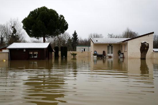 فيضانات فرنسا (9)