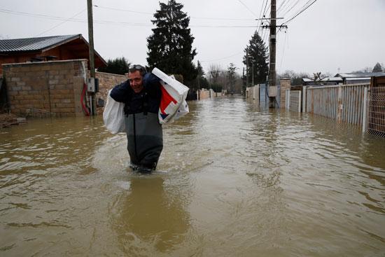 فيضانات فرنسا (5)