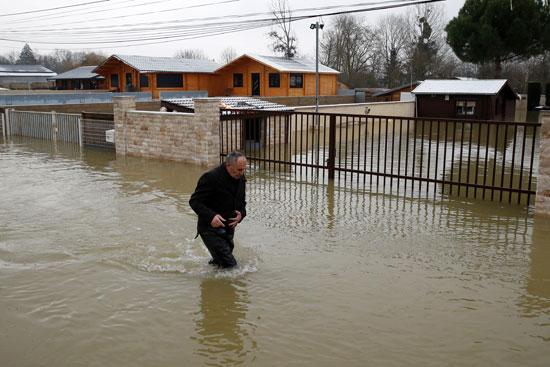 فيضانات فرنسا (7)