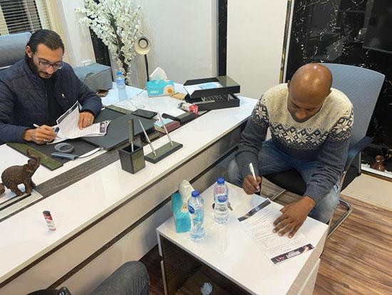 الفنان أمير صلاح الدين ينضم لأسرة فيلم أمير أل هارون (2)