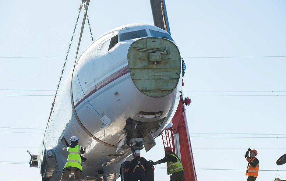 طائرة بوينج 727  (1)