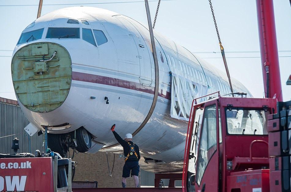 طائرة بوينج 727  (2)