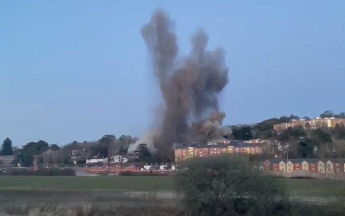 صور عن بعد للانفجار