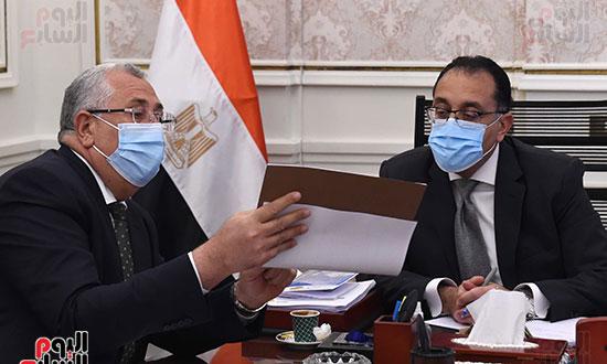 رئيس الوزراء يتابع ملفات عمل وزارة الزراعة (5)
