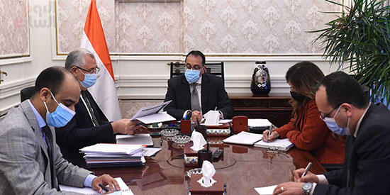 رئيس الوزراء يتابع ملفات عمل وزارة الزراعة (3)