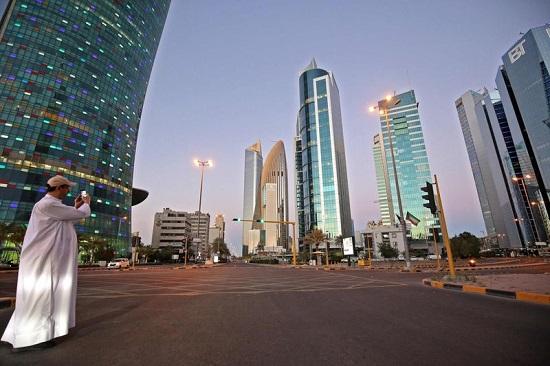 شارع مهجور في الكويت