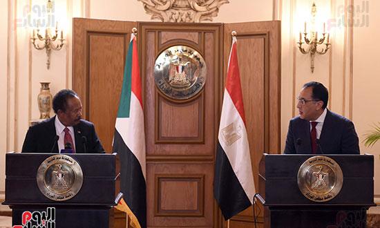 رئيس الوزراء بمؤتمر صحفى مع نظيره السودانى (1)
