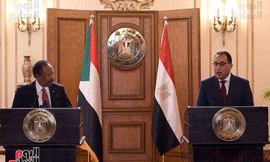 رئيس الوزراء بمؤتمر صحفى مع نظيره السودانى (12)