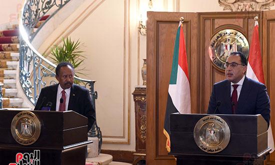رئيس الوزراء بمؤتمر صحفى مع نظيره السودانى (10)
