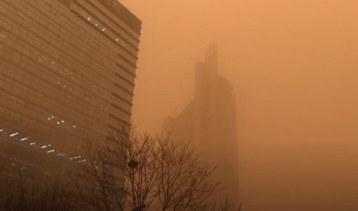 عاصفة رملية فى الصين