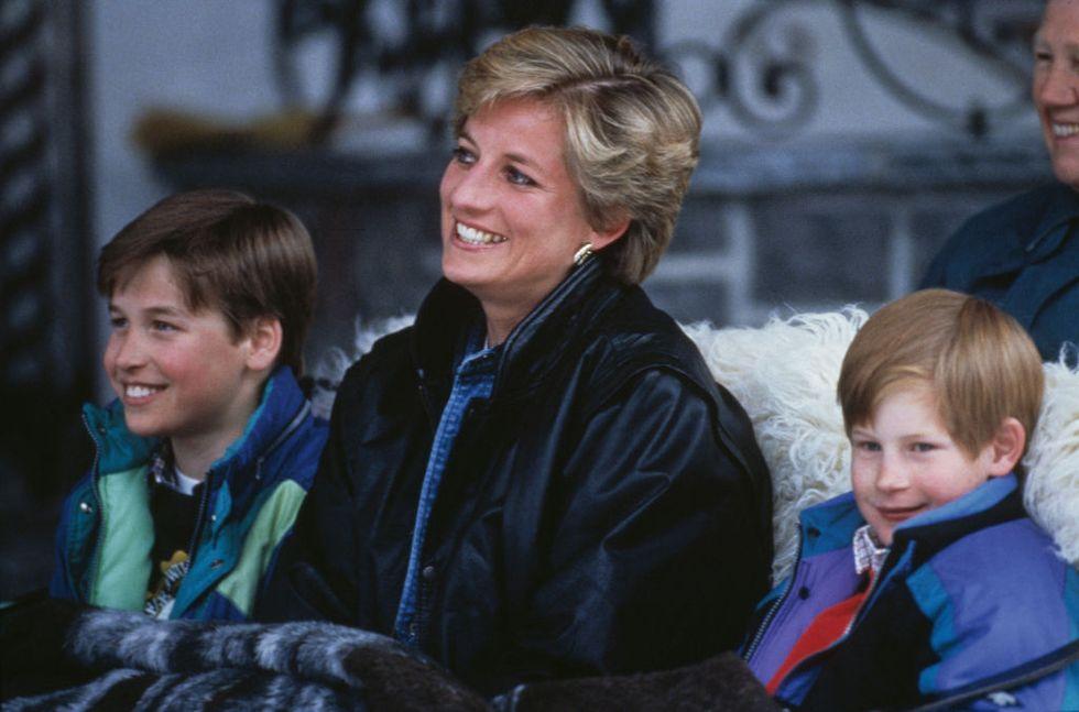 الأميرة ديانا مع الأميران وليام وهاري