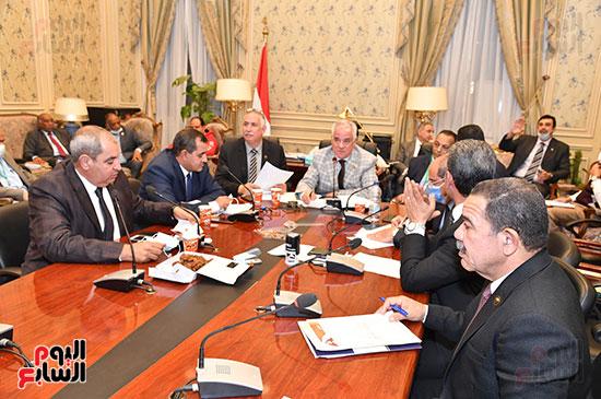 اجتماع لجنة الزراعة والري  (5)