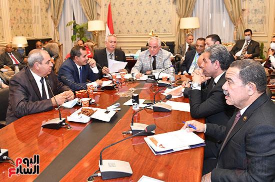 اجتماع لجنة الزراعة والري  (4)