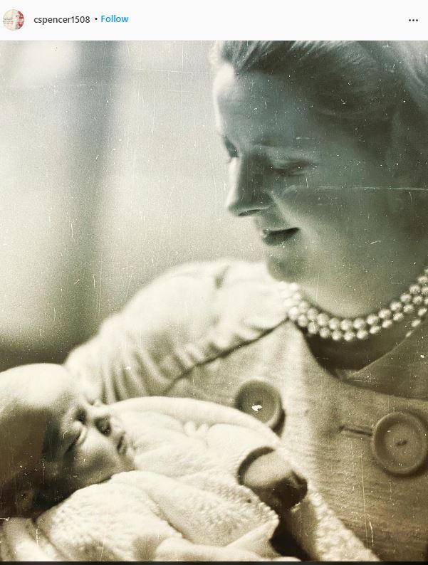 شقيق الأميرة ديانا يحتفل بعيد الأم بصورة نادرة لوالدته الراحلة
