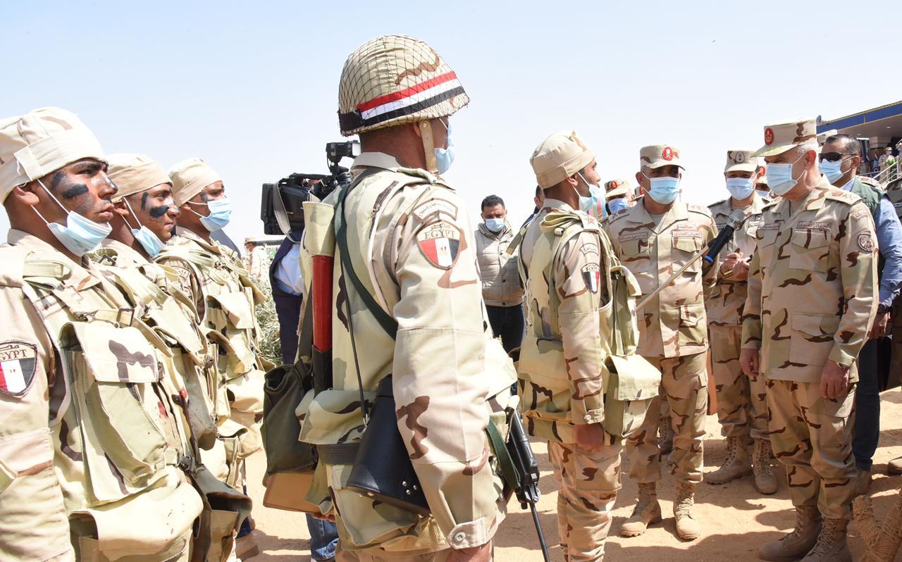 الفريق محمد فريد رئيس أركان حرب القوات المسلحة (1)