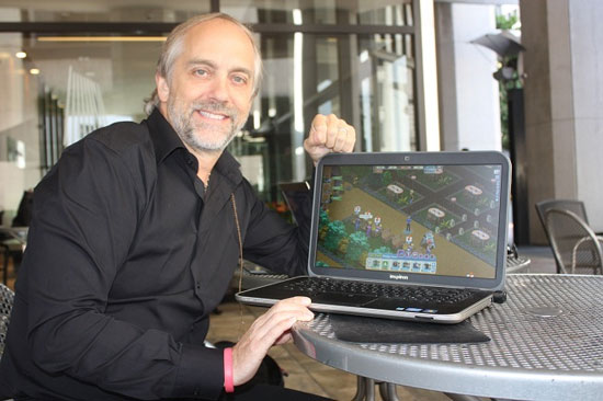 ابتكر جاريوت لعبة الفيديو الخيالية البدائية الأبراج المحصنة والتنين