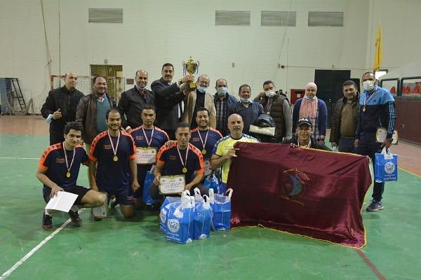 منتخب جامعة الفيوم لكرة القدم يفوز بدورى المصالح الحكومية (9)
