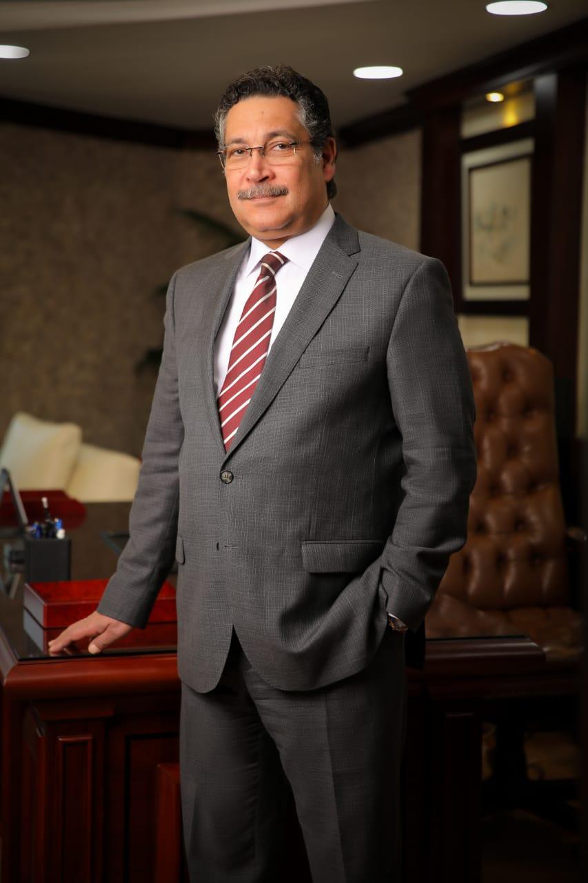 حسن غانم رئيس مجلس الإدارة و العضو المنتدب لبنك التعمير و الإسكان (2)