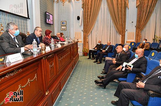 لجنة السياحة والطيران المدني (4)