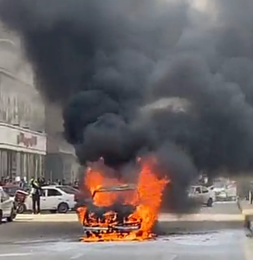 حريق سيارة بشارع البطل في المهندسين (2)