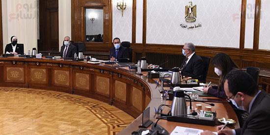 اجتماع رئيس الوزراء مصطفى مدبولى  لمتابعة خطوات التوسع فى منظومة الرى الحديث (2)