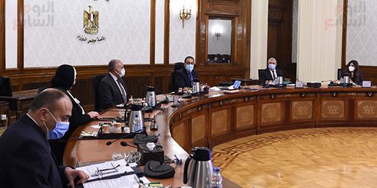 اجتماع رئيس الوزراء مصطفى مدبولى  لمتابعة خطوات التوسع فى منظومة الرى الحديث (5)