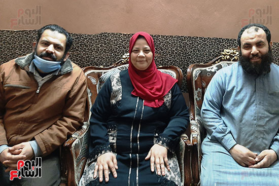الست-سهير-مع-ابناء-زوجها