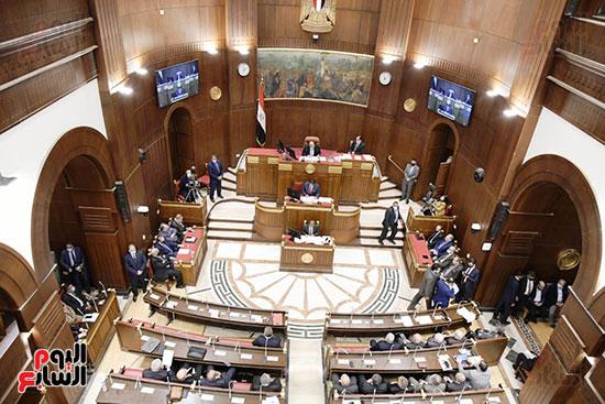الجلسة العامة لمجلس الشيوخ (1)
