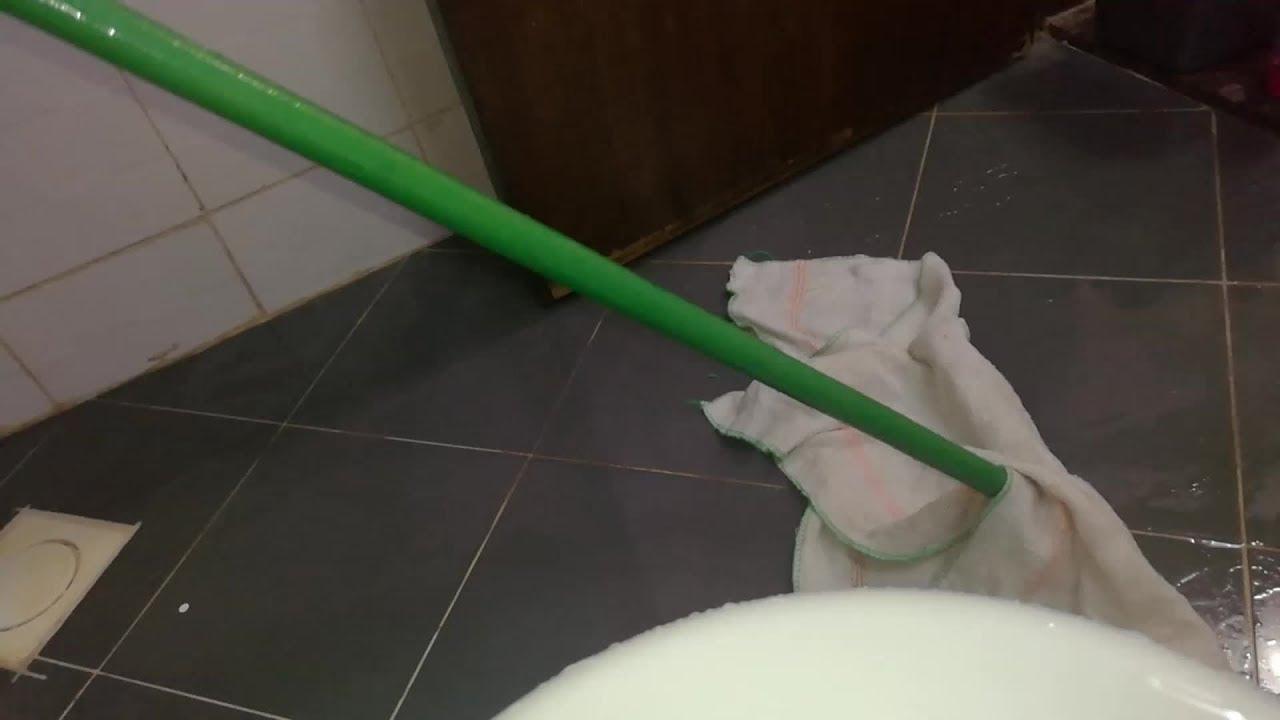 تجفيف ارضية الحمام