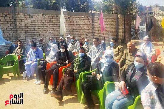 اجتماع-اهالى-قرية-البرج-بمدينة-ناصر