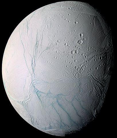 قمر انسيلادوس التابع لزحل
