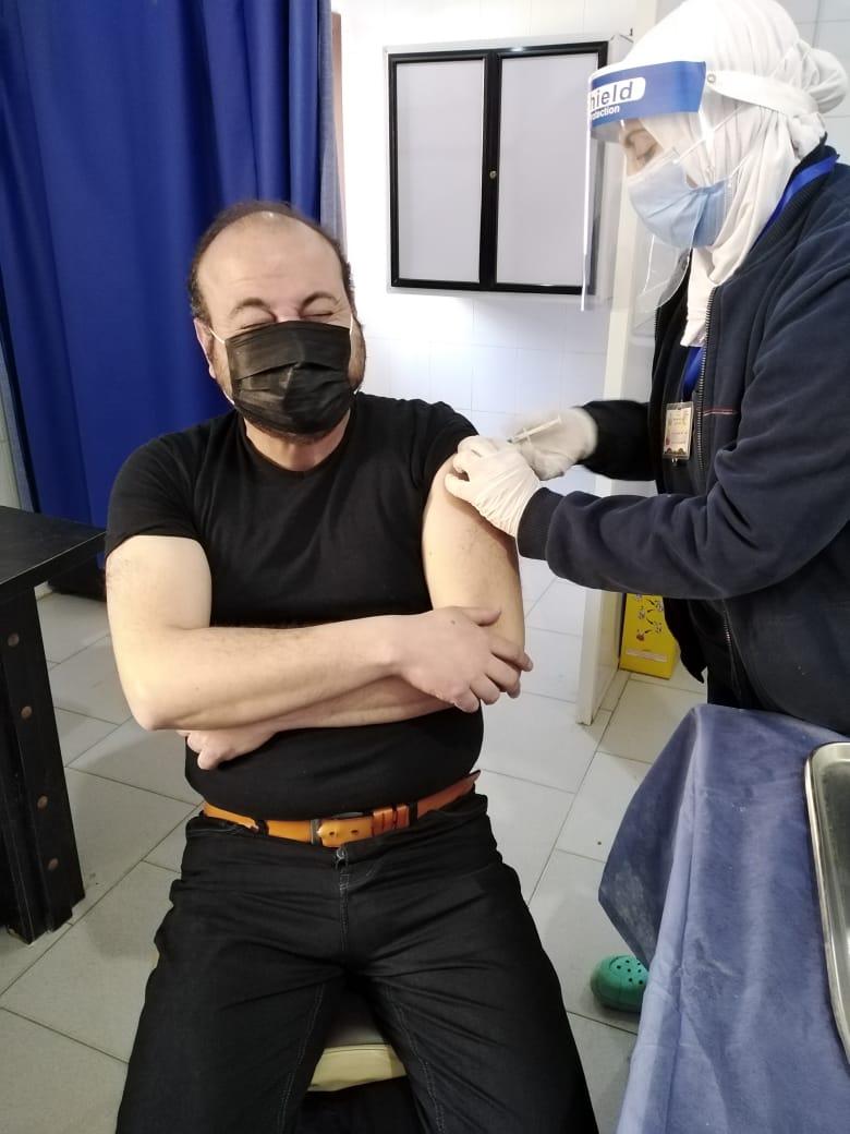 تطعيم المواطنين بلقاح فيروس كورونا