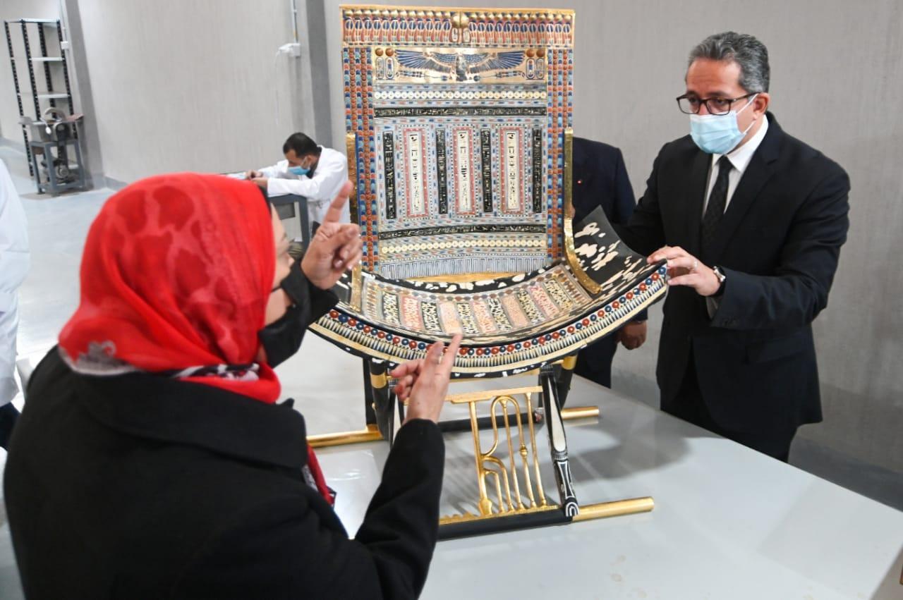 المصنع تم انشاءه لمواكبة متطلبات السوق المحلي والعالمي في صناعة النماذج الأثرية