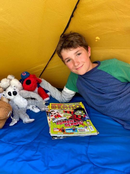 ماكس في خيمته