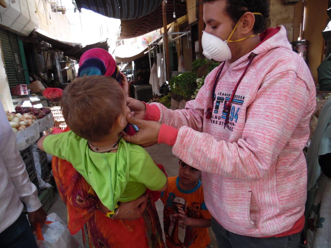 تطعيم الأطفال فى الشوارع