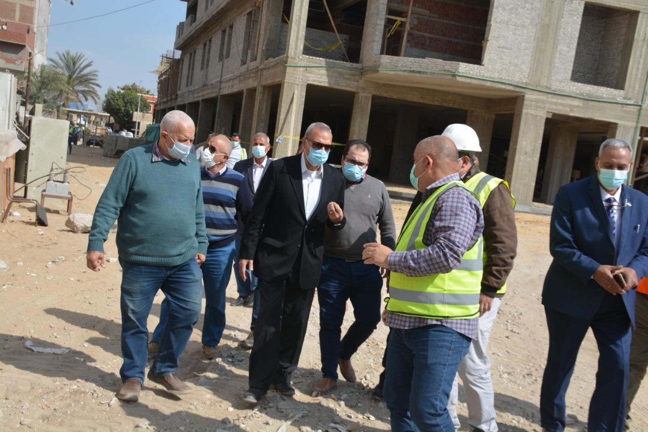 متابعة إنشاء مستشفى طوخ المركزى