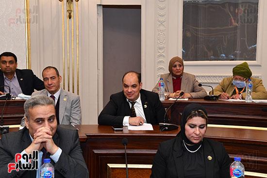 اجتماع لجنة الصناعة (1)