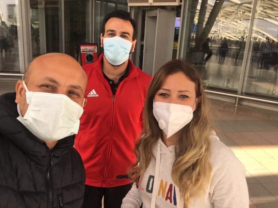 سارة عاصم فى المطار