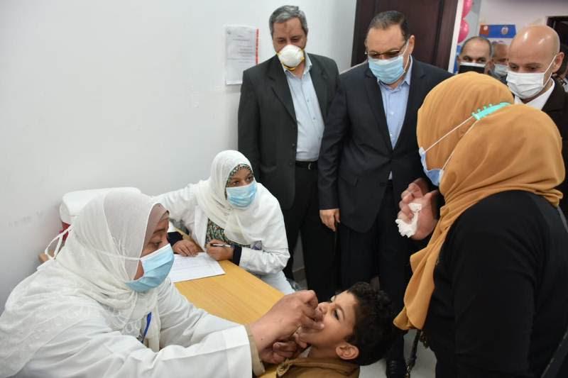 محافظ الشرقية يتابع تطعيم الأطفال