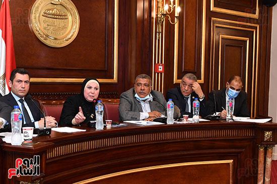 اجتماع لجنة الصناعة (2)