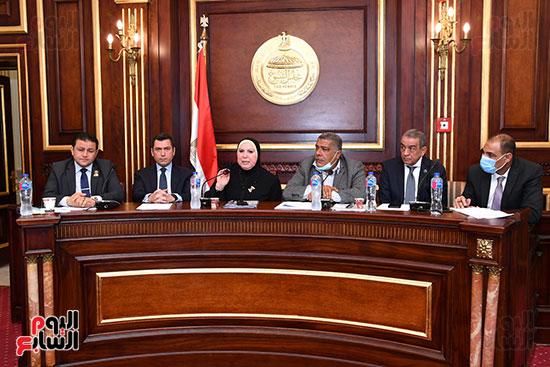 اجتماع لجنة الصناعة (10)